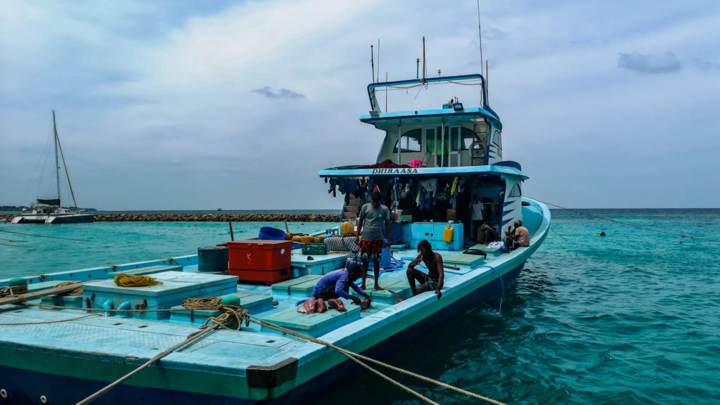 fishermanboat_maldives_fishing