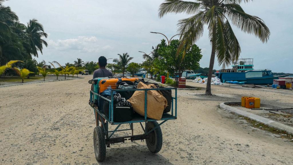 luggagetrawler_maldives_rasdhooisland