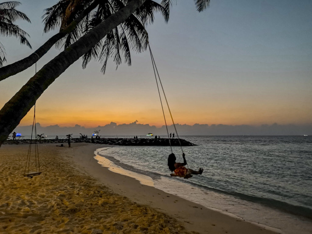 sunset_bikinibeach_maafushi_maldives